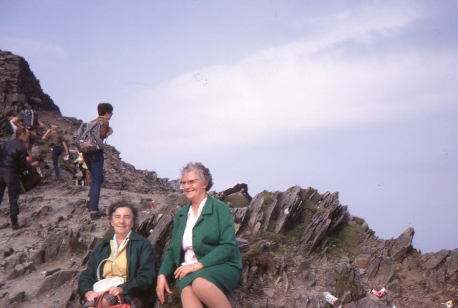 SL-BNA-6 Mary Hignett Collection - Top of Snowdon - 1970