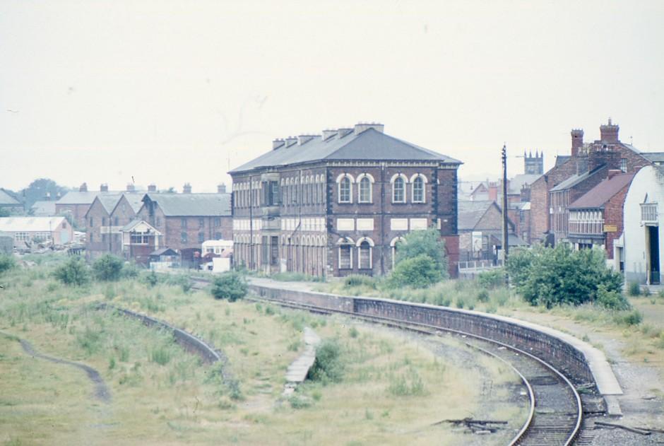 SL-O-5-16-6 Oswestry -  Railway Station