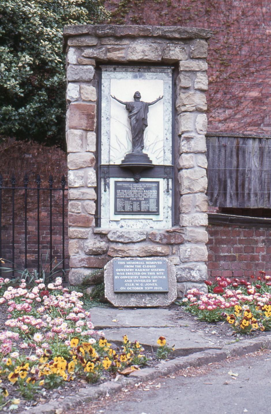 SL-O-5-6-11 Oswestry - Church St - War Memorial, Cae Glas Park