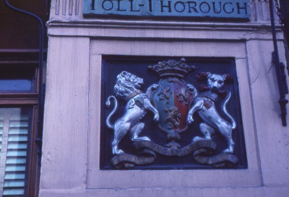 SL-O-5-6-37 Oswestry -  Church St  - Toll Thorough crest