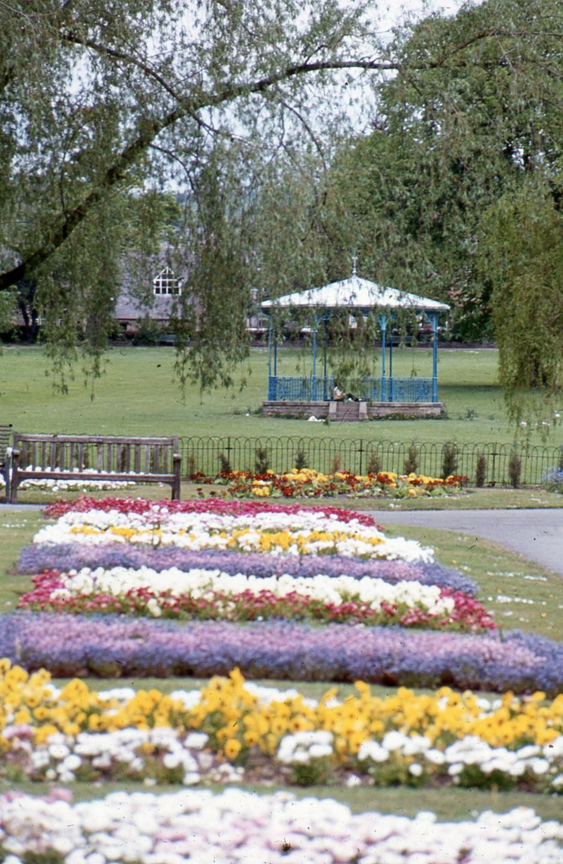 SL-O-5-6-52 Oswestry - Church St - Cae Glas Park