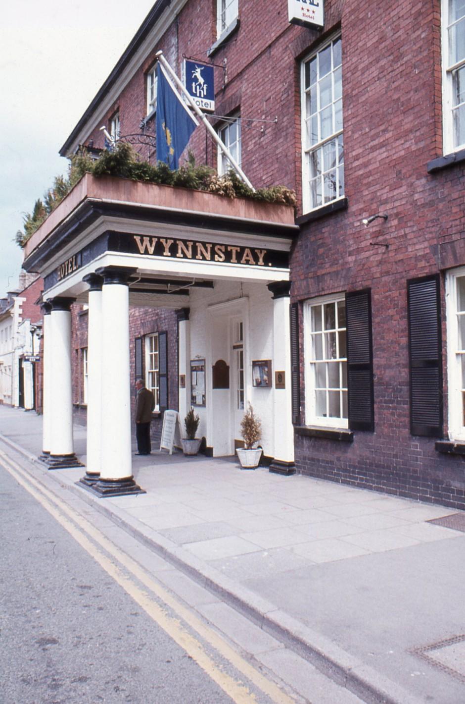 SL-O-5-6-7 Oswestry - Church St - Wynnstay Hotel