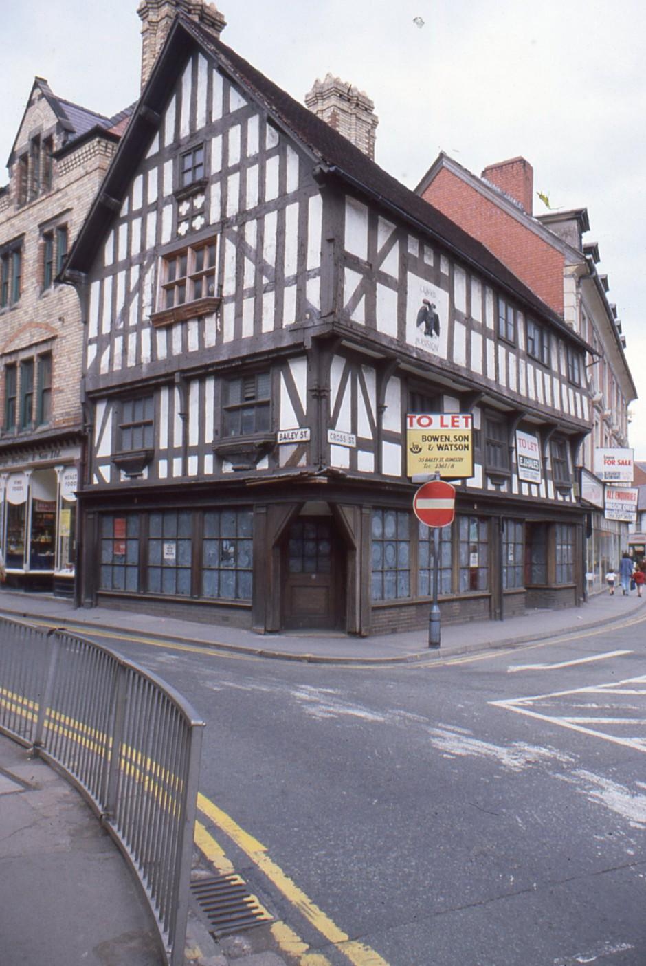 SL-O-5-7-6 Oswestry - Llwyd Mansion - Cross St & Bailey St