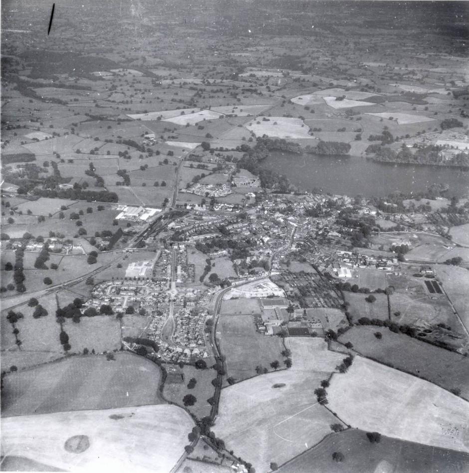 PH-E-8-3-10 Aerial view of Ellesmere, 12 Sep 1964