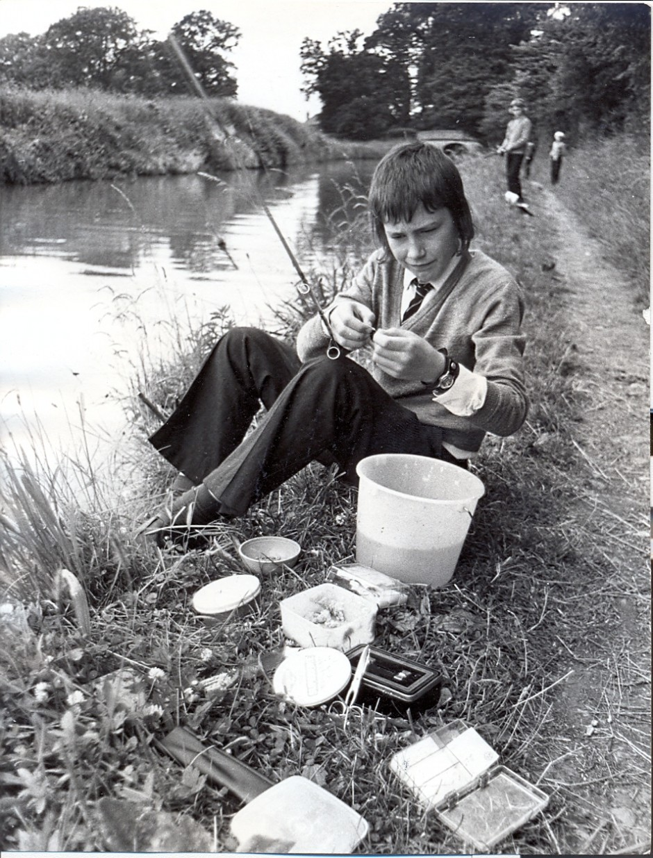 PH-E8-20-1 Keith Holiday; Ellesmere Sec Mod School fishing contest, 1973