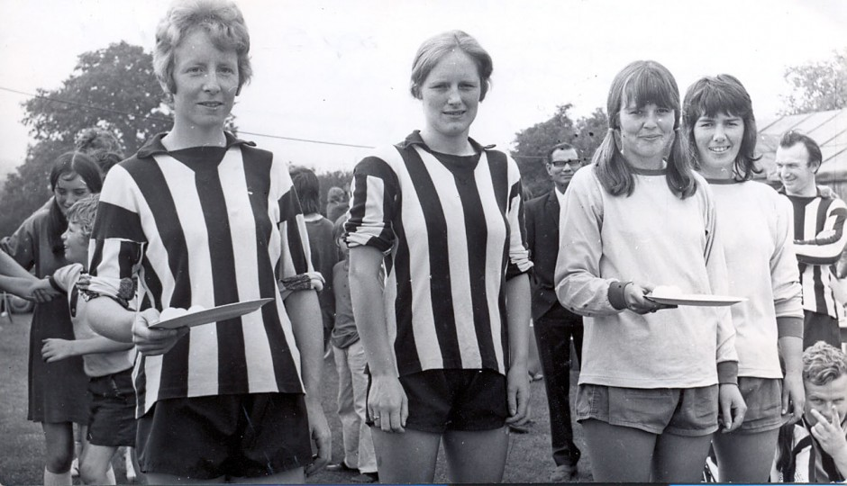 PH-C-14-17 - August Bank Holiday competition 1973