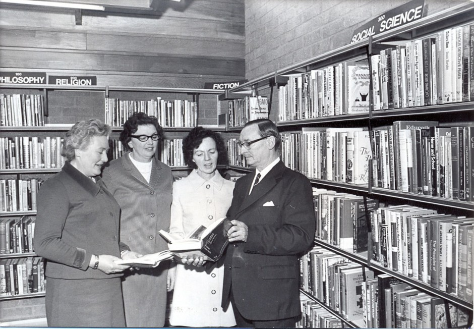 PH-C-14-21 - Official opening of Chirk library May 17 1973