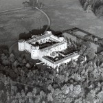 PH-C-14-3 - Arial views of Chirk Castle (30 Oct 1980)