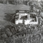 PH-C-14-4 - Arial views of Chirk Castle (30 Oct 1980)