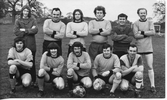 PH-L-18-3 - Llanyblodwel Social Club who played Ellesmere CFC on 25th November 1973