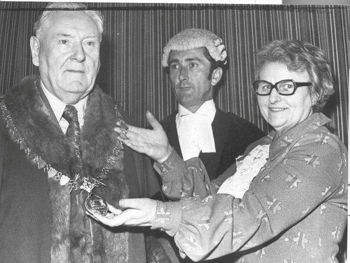 PH-L-39-3 - Mrs Margaret Jones, Llanfyllin's retiring mayor installs Coun. Cyril Twilley