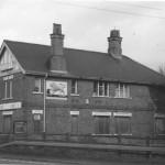 PH-M-29-5  - Lion Pub, Moreton