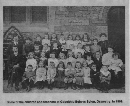PH-O-5-60-5 - Gobeithlu Eglwys Seion, children & teachers - 1909