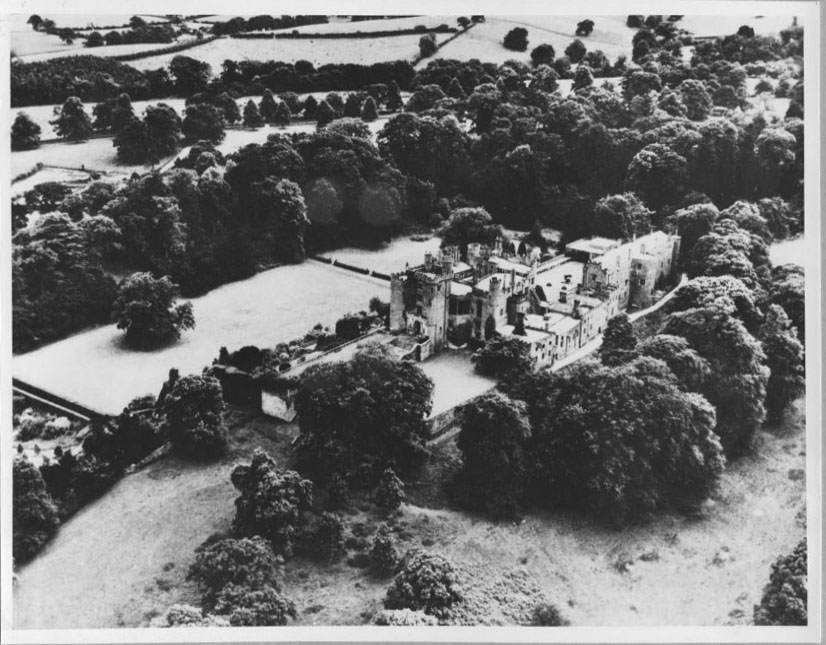 PH-P-31-4 - Powis Castle aerial view