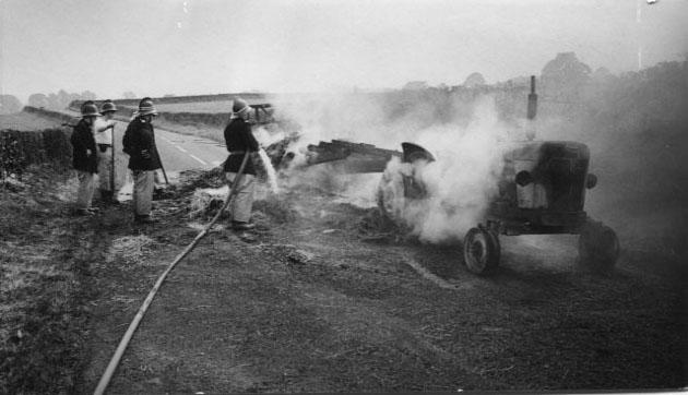 PH-S-4-4 - Tractor Blaze - Douglas Hughes