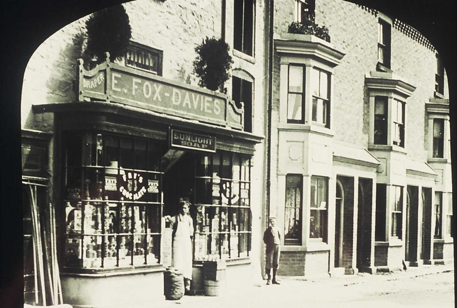 NM-L-19-21- Fox-Davies Stores, Llanymynech