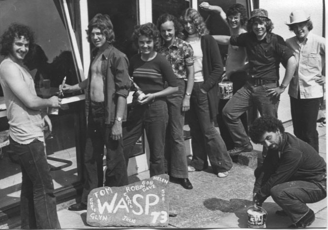PH-O-5-15-136 - Youth group - WASP - painting - 1973