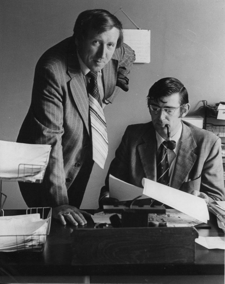 PH-O-5-15-28 - Detective Mills & Baker - 1979