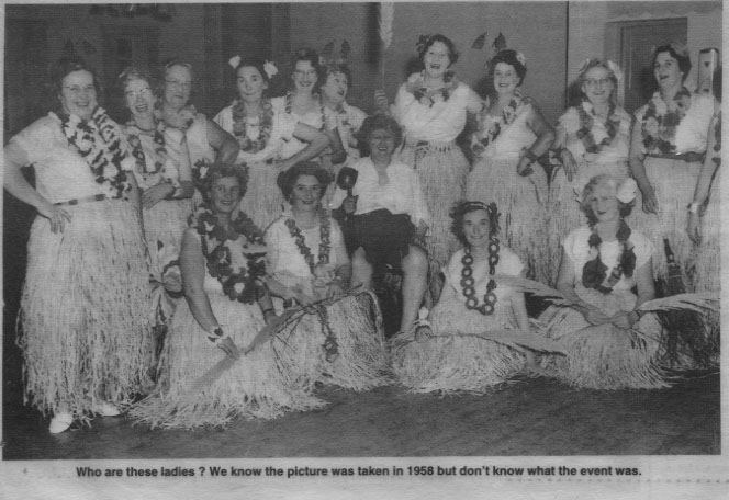 PH-O-5-15-87 - Unknown ladies at unknown event - 1958