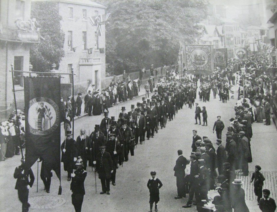 PH-O-5-6-106b - Coronation Procession - Church Street - 1902