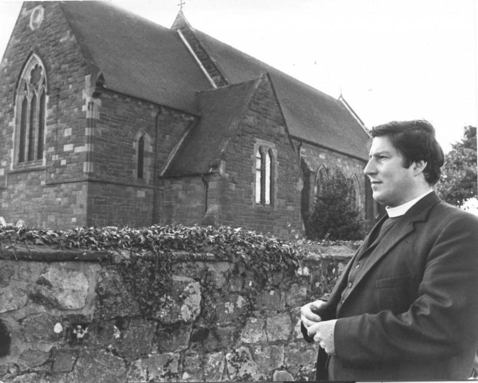 PH-M-21-3  Rev Tony Villiers, vicar of Morton 1973