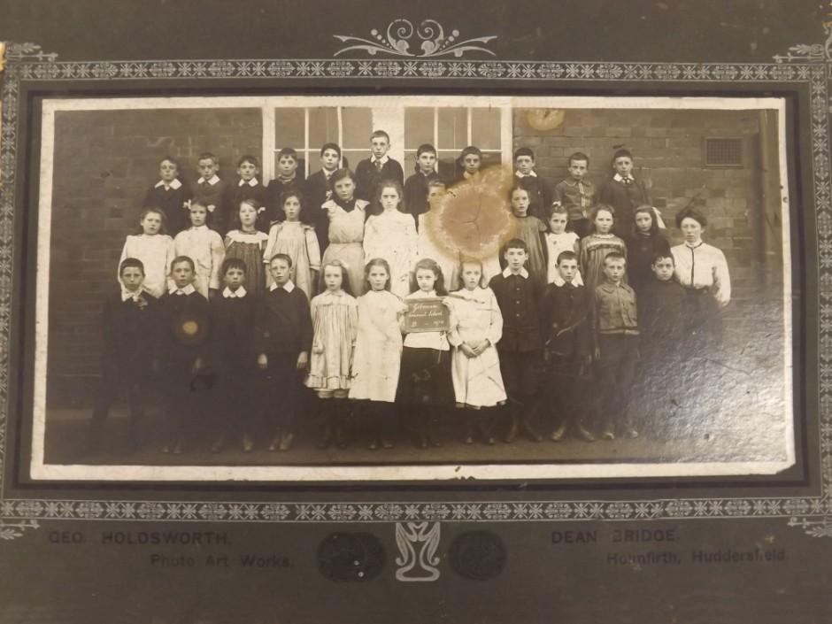 NM-G-1-82 - Gobowen School 1910