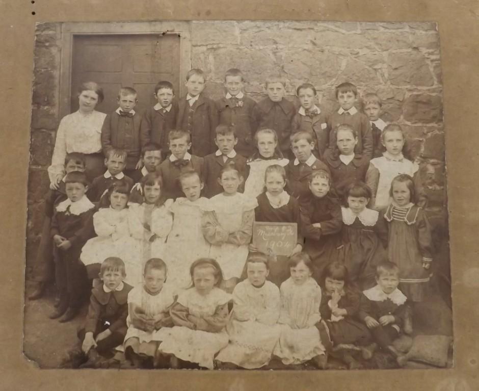 NM-M-3-5 - Maesbury School Pupils - 1904