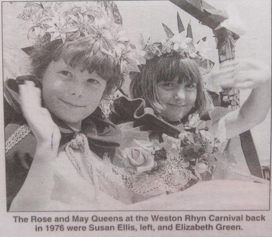 NM-W-39-14 - Rose & May Queens in 1976