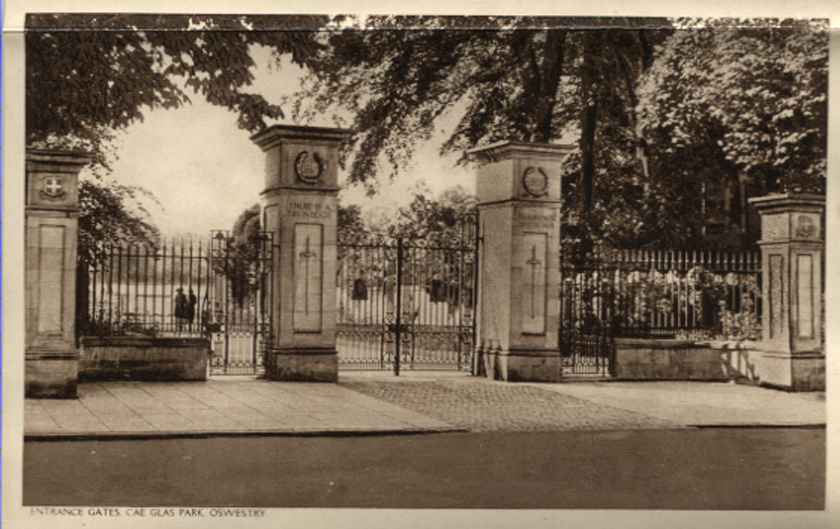 OSW-PC-O-5-6-134 - Memorial Gates
