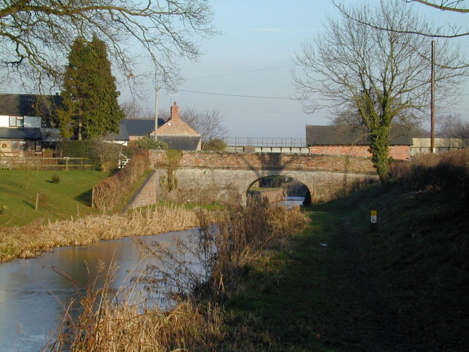 NM-R-3-12 - Montgomeryshire Canal at Rednal