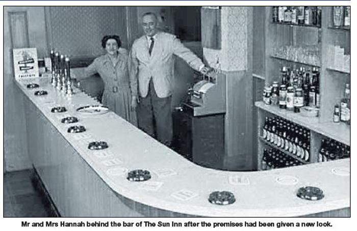 NP-O-5-6-136 - The Sun Inn - Mr & Mrs Hannah