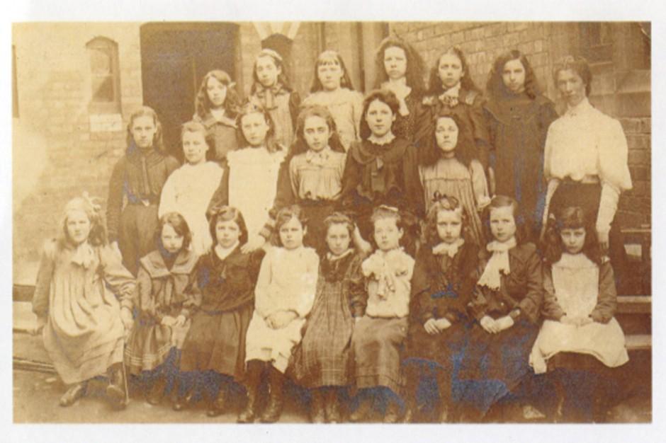PH-O-5-21-9 - Oswestry Board School c1900