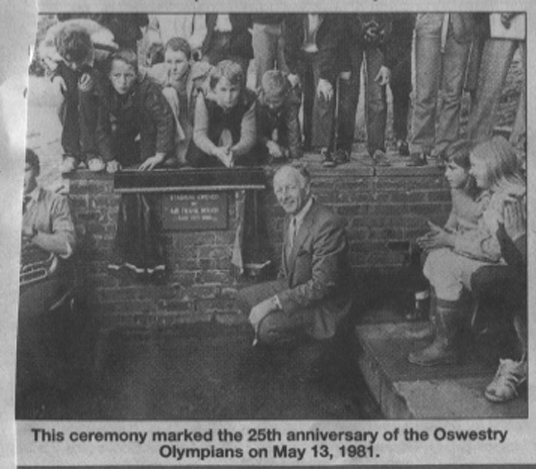 NP-O-5-15-162 - Frank Bough & Oswestry Olympians 1981