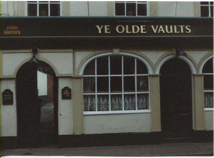 PH-O-5-6-147 - Ye Olde Vaults