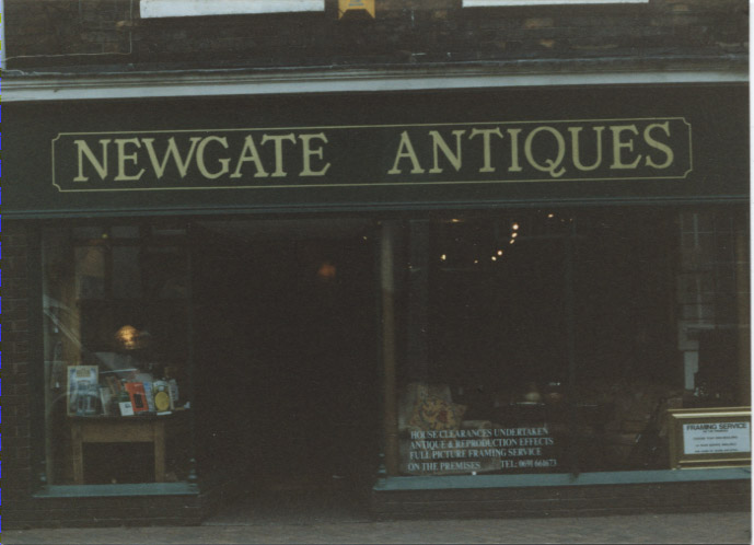 PH-O-5-6-153 - Newgate Antiques c1992
