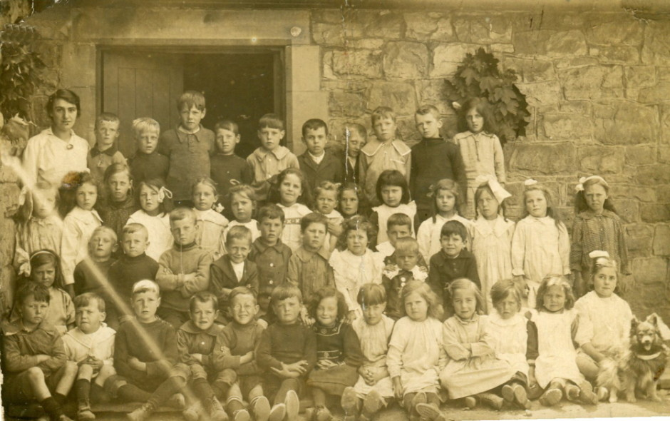 NM-W-39-29 - Weston Rhyn School 1919