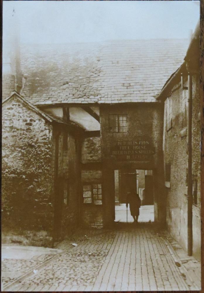 PH-O-5-23-1 - Butchers Arms Entrance Arthur Street