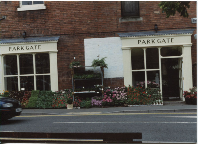 PH-O-5-67-4 - Park Gate Florists