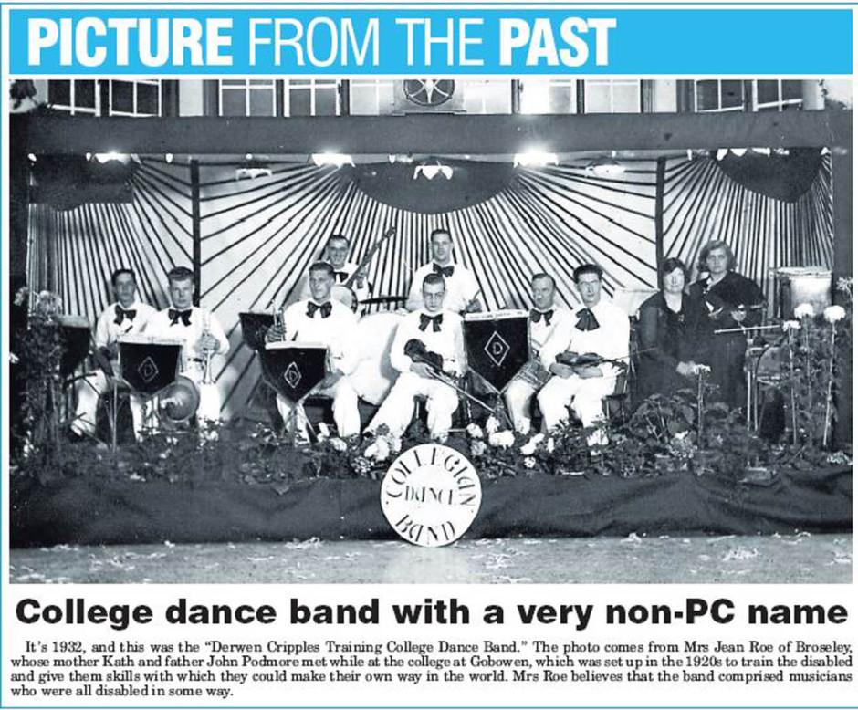 NP-G-1-116 - Derwen College Band in 1932