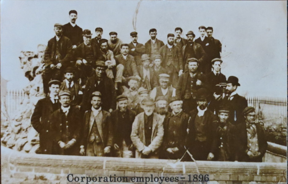 PH-O-5-15-195 - Corporation Workers 1896