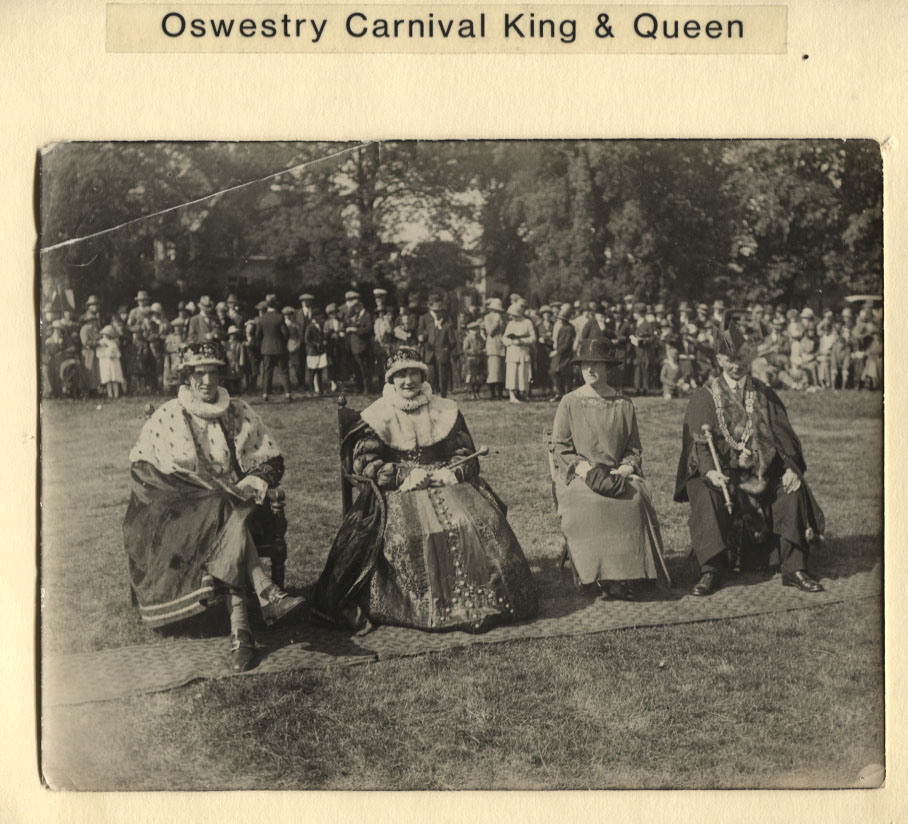 PH-O-5-15-197 - Carnival King & Queen