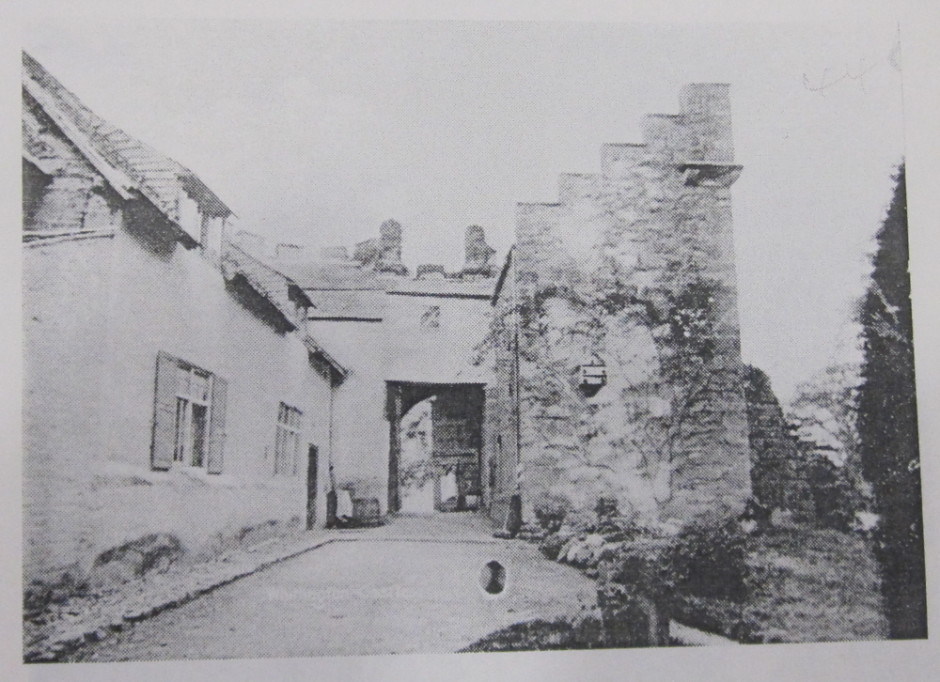 NP-W-20-45 - Whittington Castle